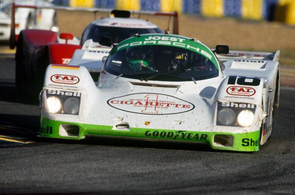 Le Mans, France. 19th - 20th June 1993.Bob Wollek/Henri Pescarolo/Ronny Meixner (Porsche 962C), 9th position, action. World Copyright: LAT Photographic.Ref:  93LM10.