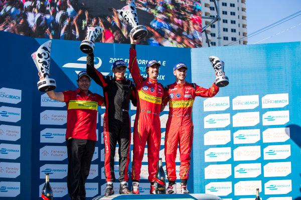 2015/2016 FIA Formula E Championship. Long Beach ePrix, Long Beach, California, United States of America. Sunday 3 April 2016. Stephane Sarrazin (FRA), Venturi VM200-FE-01, Lucas Di Grassi (BRA), ABT Audi Sport FE01 and Daniel Abt (GER), ABT Audi Sport FE01. Photo: Zak Mauger/LAT/Formula E ref: Digital Image _79P6887