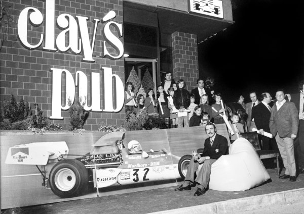 Clay Regazzoni outside his pub, portrait. 