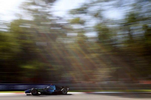 2007 Italian Grand PrixAutodromo di Monza, Monza, Italy.7th - 9th September 2007.Jenson Button, Honda RA107. Action.World Copyright: Glenn Dunbar/LAT Photographicref: Digital Image _O9T9061