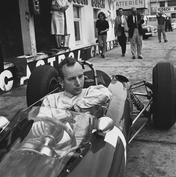 1963 German Grand Prix. Nurburgring, Germany. 4 August 1963.  John Surtees (Ferrari 156), 1st position, action.  World Copyright: LAT Photographic.  Ref: 19735.