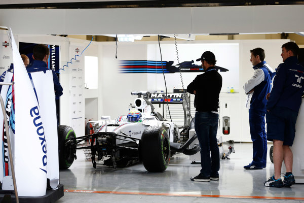 Shanghai International Circuit, Shanghai, China. Thursday 9 April 2015. Felipe Massa, Williams F1, in the garage. World Copyright: Charles Coates/LAT Photographic. ref: Digital Image _J5R6393