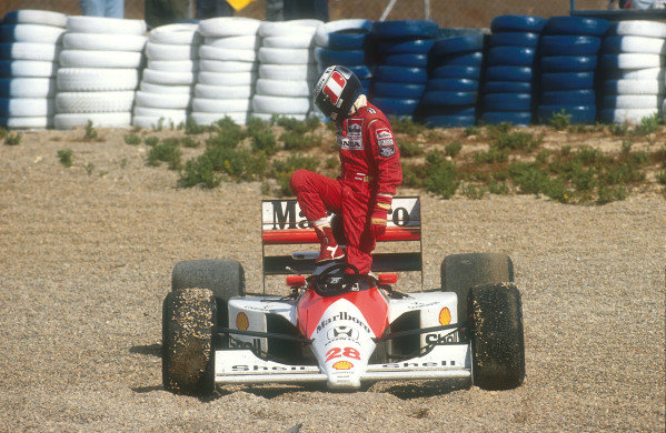 1990 Spanish Grand Prix.Jerez, Spain.28-30 September 1990.Gerhard Berger (McLaren MP4/5B Honda) retires on lap 57 after an ill fated attempt to pass for 4th place.Ref-90 ESP 29.World Copyright - LAT Photographic
