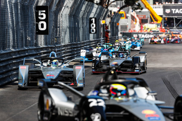 Felipe Massa (BRA), Venturi Formula E, Venturi VFE05 leads Sébastien Buemi (CHE), Nissan e.Dams, Nissan IMO1