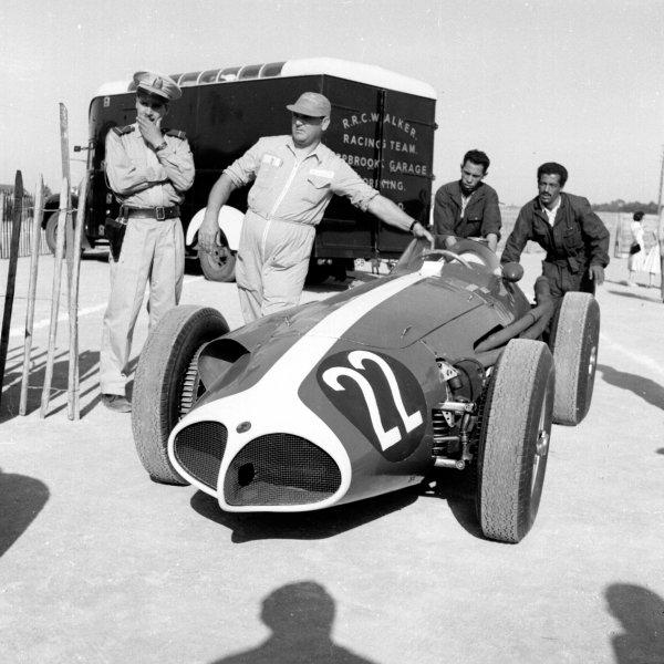 1958 Moroccan Grand Prix.Ain-Diab, Casablanca, Morocco.17-19 October 1958.Masten Gregory (Temple Buell Maserati 250F) 6th position.Ref-2598.World Copyright - LAT Photographic