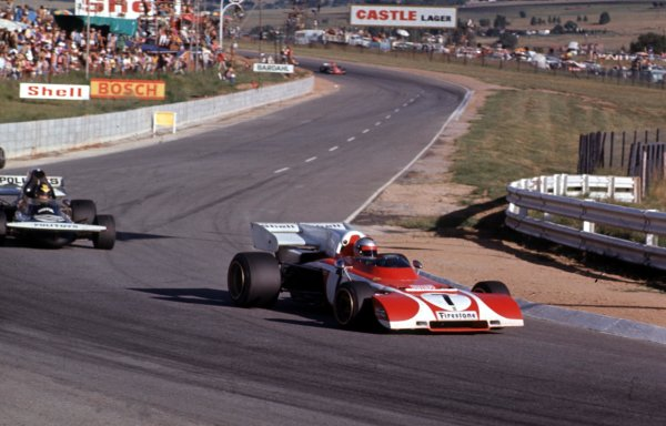 1972 South African Grand Prix.Kyalami, South Africa.2-4 March 1972.Mario Andretti (Ferrari 312B2) leads Carlos Pace (March 711 Ford). They finished in 4th and 17th positions respectively.Ref-72 SA 11.World Copyright - LAT Photographic