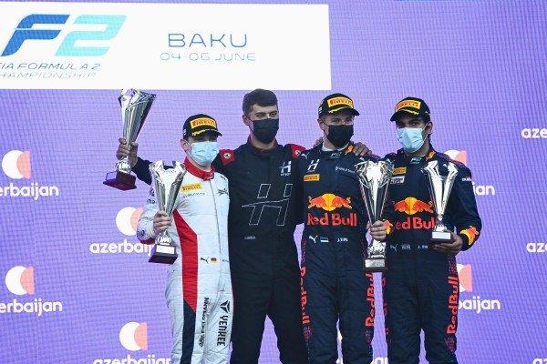 David Beckmann (DEU, Charouz Racing System), 2nd position, the Hitech trophy recipient, Juri Vips (EST, Hitech Grand Prix), 1st position, and Jehan Daruvala (IND, Carlin), 3rd position, on the podium