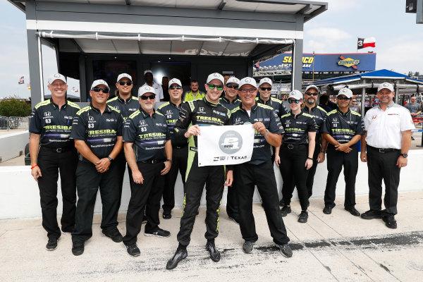Verizon IndyCar Series Rainguard Water Sealers 600 Texas Motor Speedway, Ft. Worth, TX USA Friday 9 June 2017 Verizon P1 Pole Award winner Charlie Kimball and team World Copyright: Michael L. Levitt LAT Images