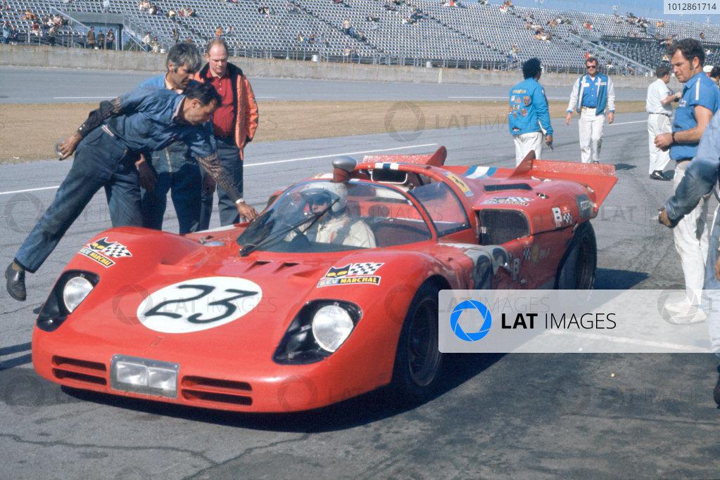 1971 Daytona 24 Hours. Daytona, Florida, USA. 30th - 31st January 1971. Rd 2. Ronnie Bucknum/Tony Adamowicz (Ferrari 512S), 2nd position. World Copyright: Bill Murenbeeld/LAT Photographic.