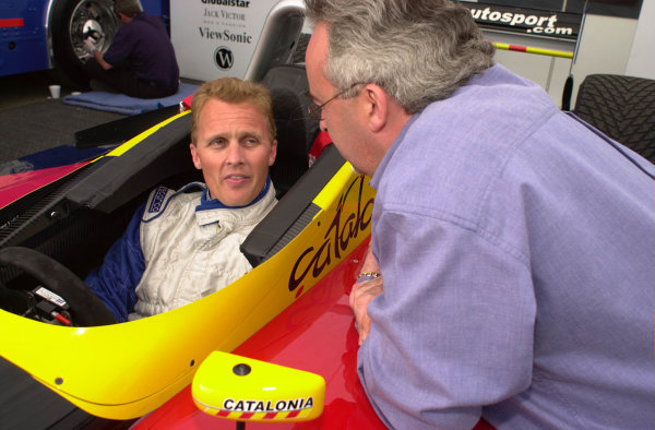 2001 CART Toyota Grand Prix of Long Beach, CA, 6-8 April, 2001, Streets of Long Beach, CA, USAF-1 Driver Johnny Herbert chats with Paul Cherry as he tries out the Sigma Autosport Lola Ford.-2001, Michael L. Levitt, USALAT Photographic