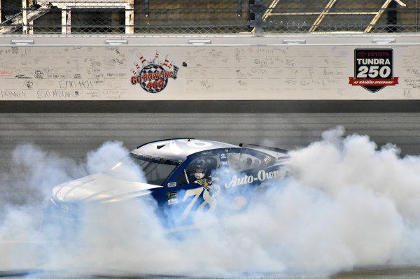 Monster Energy NASCAR Cup Series Go Bowling 400 Kansas Speedway, Kansas City, KS USA Saturday 13 May 2017 Martin Truex Jr, Furniture Row Racing, Auto-Owners Insurance Toyota Camry celebrates his win with a burnout World Copyright: Nigel Kinrade LAT Images ref: Digital Image 17KAN1nk10390