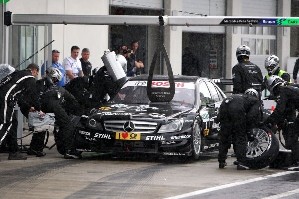 Pit stop of Gary Paffett (GBR), Thomas Sabo AMG Mercedes.DTM, Rd3, Red Bull Ring, Spielberg, Austria. 3-5 June 2011.