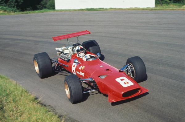 1968 International Gold Cup.  Oulton Park, England. 17th August 1968.  Chris Amon, Ferrari 312, 2nd position.  Ref: 68GC05. World Copyright: LAT Photographic