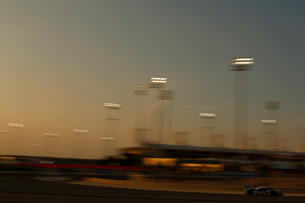 2015 FIA World Endurance Championship Bahrain 6-Hours Bahrain International Circuit, Bahrain Saturday 21 November 2015. Anthony Davidson, S?bastien Buemi, Kazuki Nakajima (#1 LMP1 Toyota Racing Toyota TS 040 Hybrid). World Copyright: Alastair Staley/LAT Photographic ref: Digital Image _R6T9690
