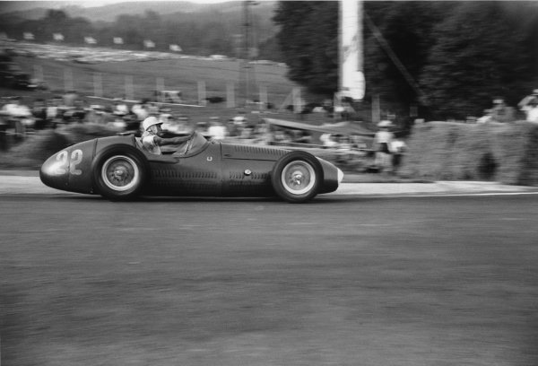 Spa-Francorchamps, Belgium. 20 June 1954.Stirling Moss (Maserati 250F), 3rd position, action. World Copyright: LAT PhotographicRef: 197 -24