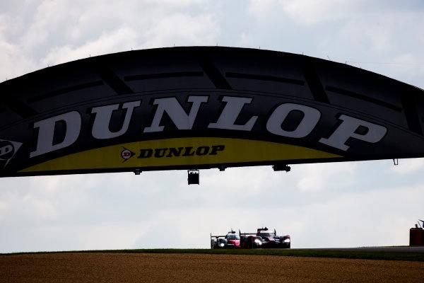 2016 Le Mans 24 Hours. Circuit de la Sarthe, Le Mans, France. Saturday 18 June 2016. Audi Sport Team Joest / Audi R18 - Lucas Di Grassi (BRA), Loic Duval (FRA), Oliver Jarvis (GBR),, Toyota Gazoo Racing / Toyota TS050 - Hybrid - Stephane Sarrazin (FRA), Michael Conway (GBR), Kamui Kobayashi (JPN)  World Copyright: Zak Mauger/LAT Photographic ref: Digital Image _79P7469