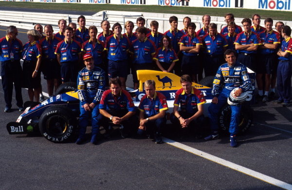 The 1992 Williams team pose for a photo with Nigel Mansell and Riccard Patrese. German Grand Prix, Hockenheim, 26 July 1992