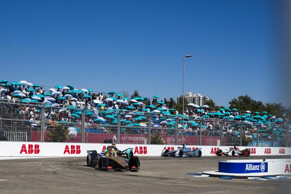 Andre Lotterer (DEU), DS TECHEETAH, DS E-Tense FE19 leads Nelson Piquet Jr. (BRA), Panasonic Jaguar Racing, Jaguar I-Type 3 and Felipe Massa (BRA), Venturi Formula E, Venturi VFE05