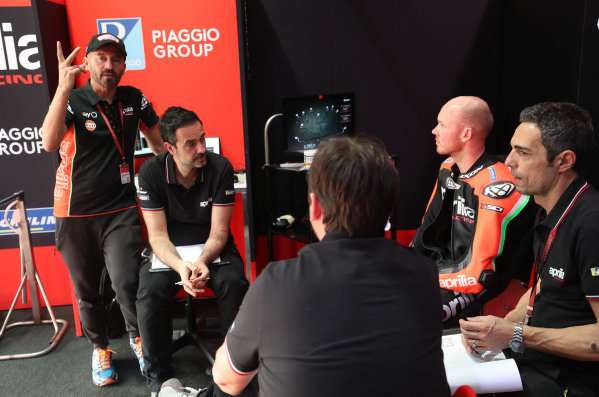 Max Biaggi, Bradley Smith, Aprilia Racing Team Gresini.