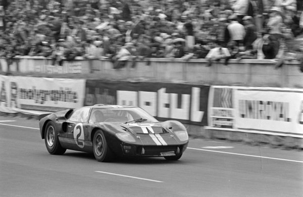 Bruce McLaren / Chris Amon, Shelby American Inc., Ford Mk II.