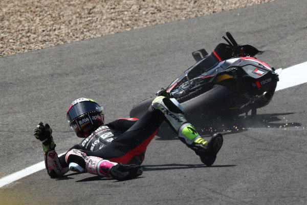 Aleix Espargaro, Aprilia Racing Team Gresini crash.
