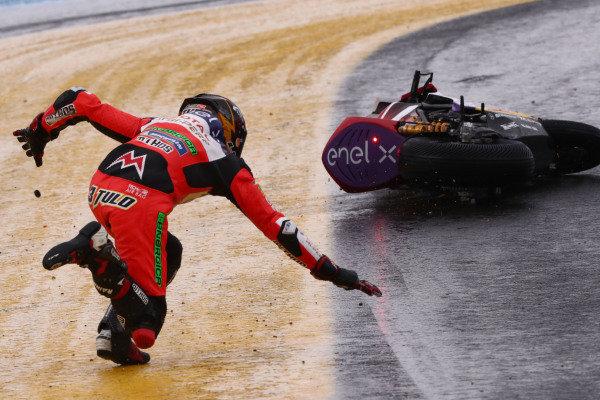 Crash, Lukas Tulovic, Tech 3 E-Racing.