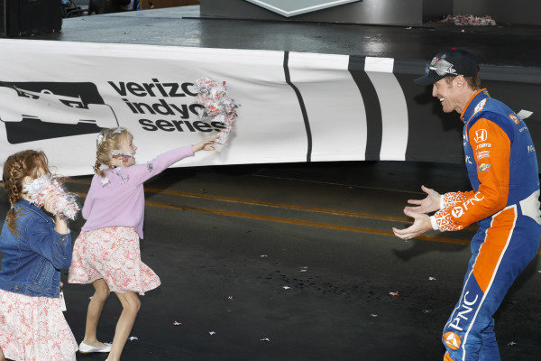 Scott Dixon, Chip Ganassi Racing Honda with daughters Poppy and Tilly