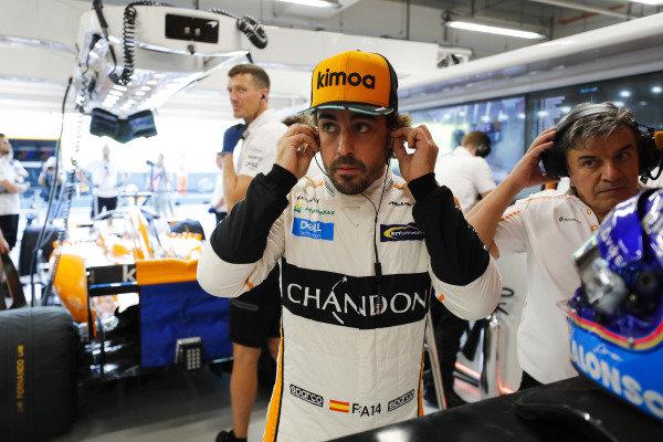 Fernando Alonso, McLaren MCL33, prepares for FP1.