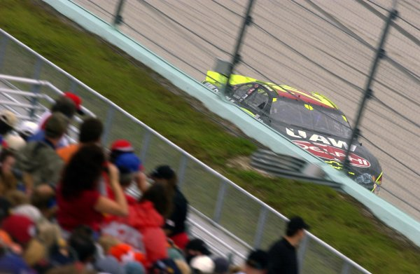 NASCAR Winton Cup Ford 400, Homestead-Miami Speedway, Homestead, Florida, USA 17 November,2002 Joe Nemechek leads at mid-race.Copyright-F Peirce Williams/MMP-Inc. 2002 LAT Photographic