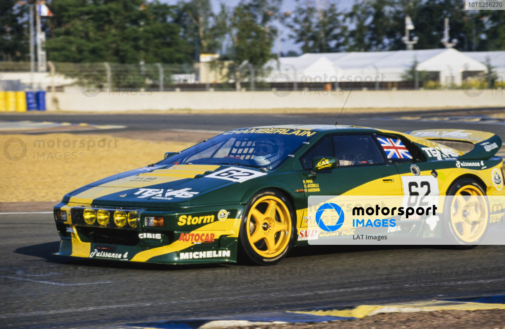 Richard Piper / Peter Hardman / Olindo Iacobelli, Lotus Sport / Chamberlain Engineering, Lotus Esprit S300 Turbo.
