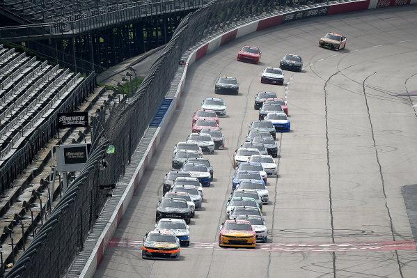 Noah Gragson, JR Motorsports Chevrolet, leads the field at the start, Copyright: Jared C. Tilton/Getty Images.