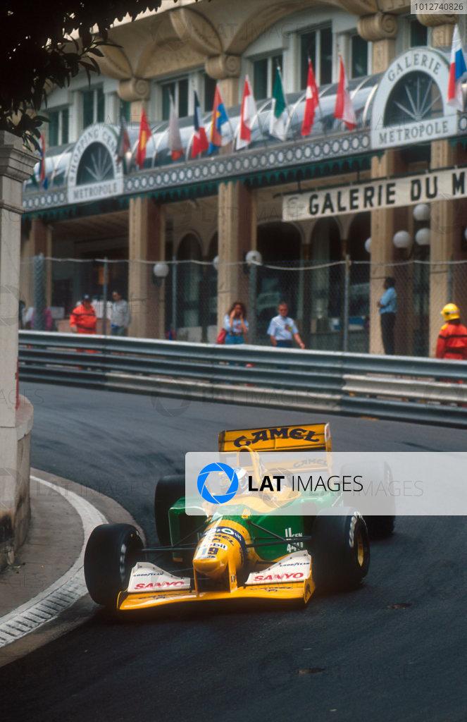 1992 Monaco Grand Prix.Monte Carlo, Monaco.28-31 May 1992.Michael Schumacher (Benetton B192 Ford) 4th position at Mirabeau.Ref-92 MON 40.World Copyright - LAT Photographic