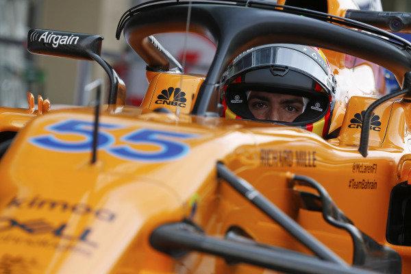 Carlos Sainz Jr, McLaren MCL33 Renault.