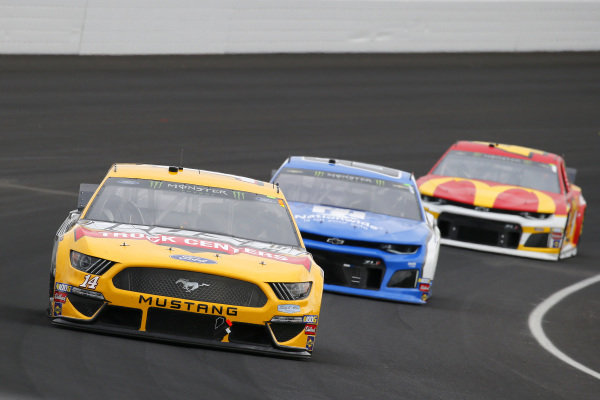 #14: Clint Bowyer, Stewart-Haas Racing, Ford Mustang Rush / Cummins and #88: Alex Bowman, Hendrick Motorsports, Chevrolet Camaro Nationwide