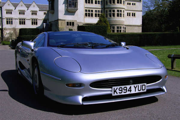 Jaguar XJ220, 1994. Coventry, England.