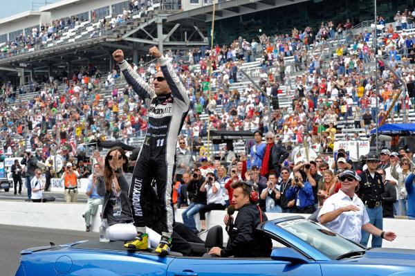 """26 May, 2013, Indianapolis, Indiana, USA Winner Tony Kanaan (#11) salutes the crowd gathered at the """"Yard of Bricks"""". ©2013, F. Peirce Williams LAT Photo USA"""