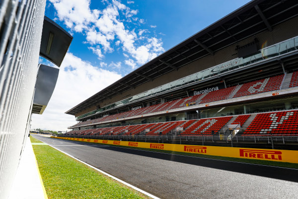 Circuit de Catalunya, Barcelona, Spain. Thursday 11 May 2017. The main straight and grandstand. World Copyright: Steven Tee/LAT Images ref: Digital Image _O3I1540