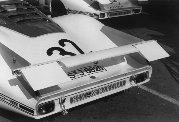 Le Mans, France. 28 - 29 September 1968.Vic Elford/Gerhard Mitter (Porsche 908), retired, rear wing, action. World Copyright: LAT PhotographicRef: 2170 - 11A.