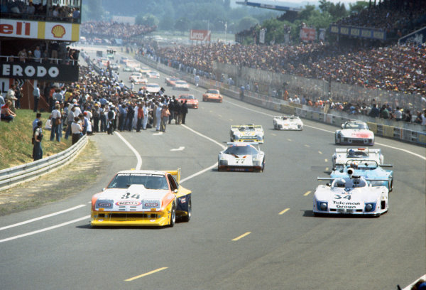 Le Mans, France. 10th - 11th June 1978 Brad Frisselle/Robert Kirby/John Hotchkis (Chevrolet Monza), retired, leads the field around on the parade lap, action. World Copyright: LAT PhotographicRef: 78LM12.