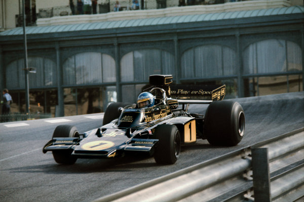 Monte Carlo, Monaco. 23-26 May 1974. Ronnie Peterson (Lotus 72E Ford) 1st position, action.  Ref-74 MON 23. World Copyright: LAT Photographic