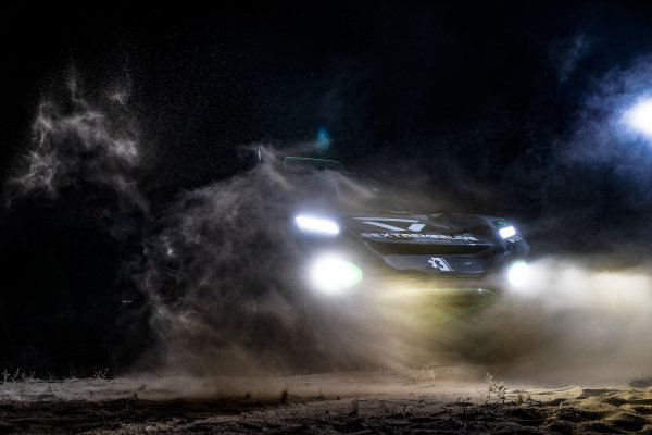 The Veloce Racing Odyssey 21 in the dark