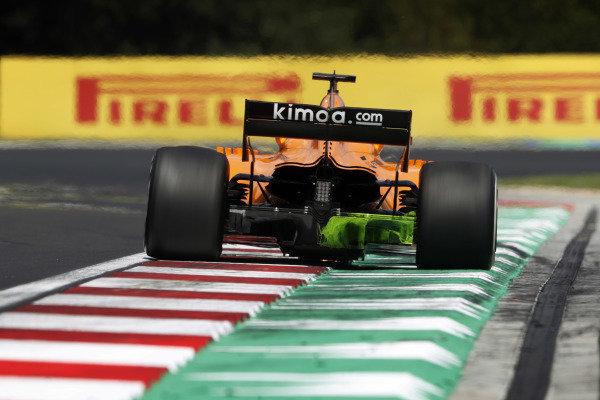 Fernando Alonso, McLaren MCL33 Renault, wit flo vis paint.