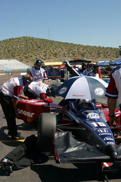 2003 Phoenix IRL IndyCar, 21-23 March 2003; Phoenix International Raceway; Phoenix, Arizona USAWorking on Kenny Brack's car-2003 Lesley Ann Miller, USALAT Photographic