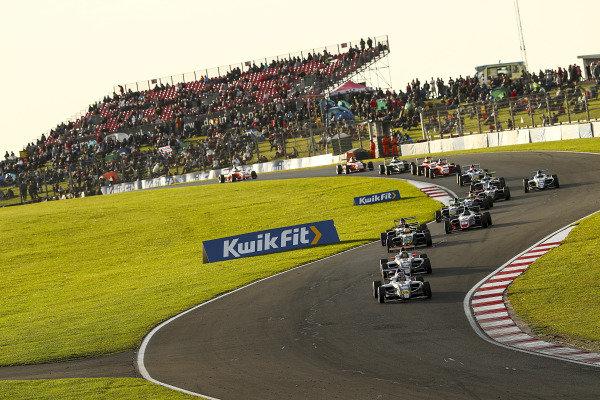 Start of Race 3, Matthew Rees (GBR) JHR Developments British F4 leads