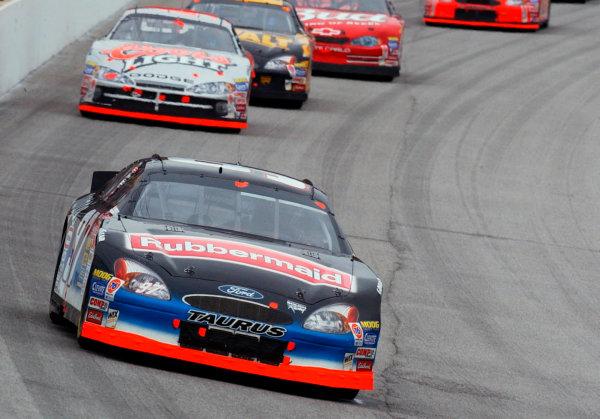 2002 NASCAR Atlanta Motor Speedway, October 25, 2002 NAPA 500/Aaron 's 312Kurt Busch out front,-Robt LeSieur2002LAT Photographic