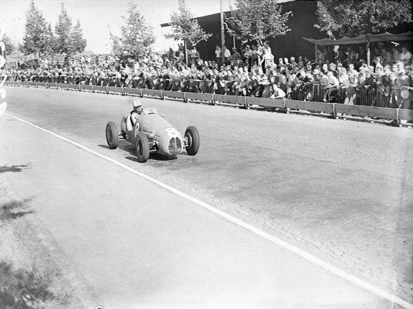 Maurice Trintignant, Gordini T16.