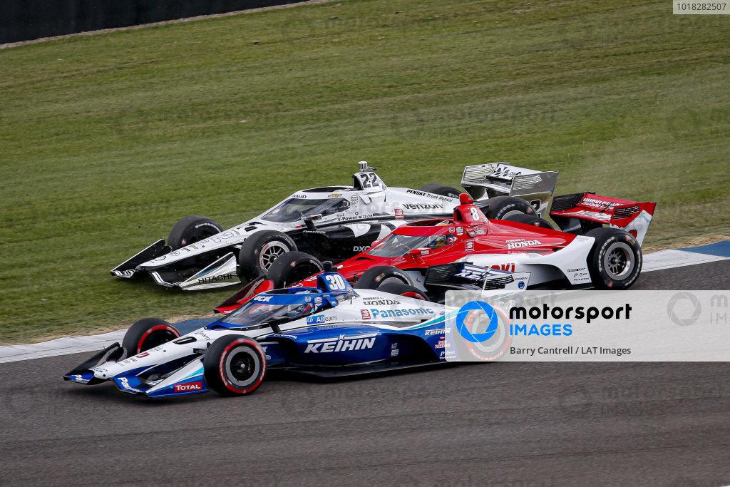 #30: Takuma Sato, Rahal Letterman Lanigan Racing Honda, #8: Marcus Ericsson, Chip Ganassi Racing Honda, #22: Simon Pagenaud, Team Penske Chevrolet three-wide