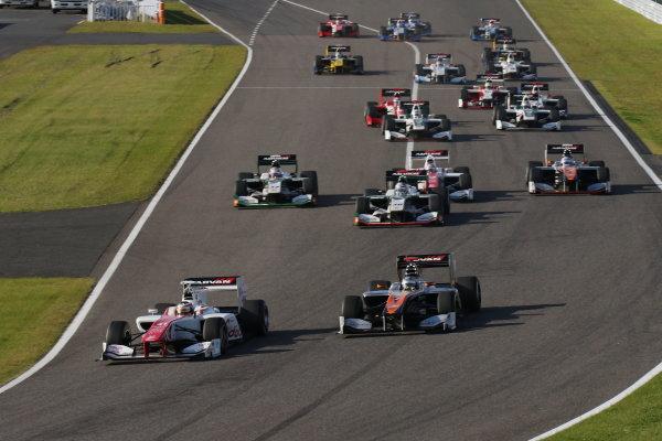 2016 Japanese Super Formula. Suzuka, Japan. 29th - 30th October 2016. Rd 7. Race 2 - Start of the race, action. World Copyright : Yasushi Ishihara / LAT Photographic. Ref : 2016SF_Rd7_SUZUKA_012