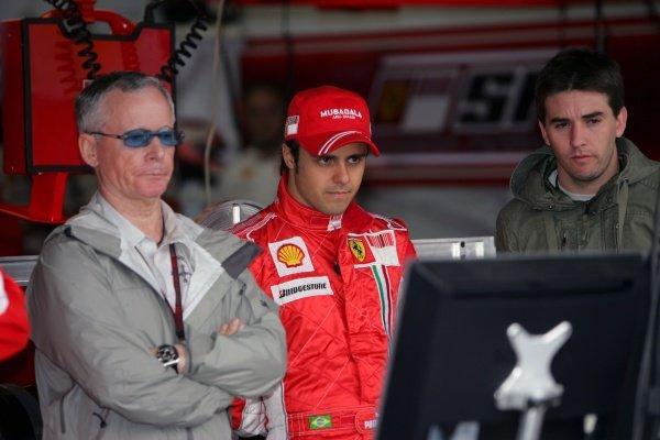 David Robertson (GBR) Manager of Kimi Raikkonen (FIN) Ferrari and Felipe Massa (BRA) Ferrari. Formula One World Championship, Rd17, Brazilian Grand Prix, Practice Day, Interlagos, Sao Paulo, Brazil, Friday 19 October 2007.