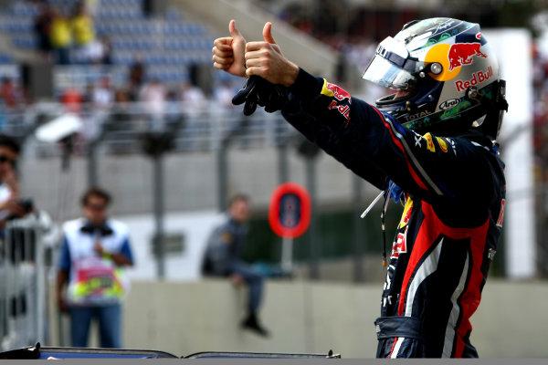 Interlagos, Sao Paulo, Brazil.27th November 2011.Sebastian Vettel, Red Bull Racing RB7 Renault, 2nd position, arrives in Parc Ferme. Portrait. Helmets. Finish. World Copyright:Andy Hone/LAT Photographicref: Digital Image  CSP20518